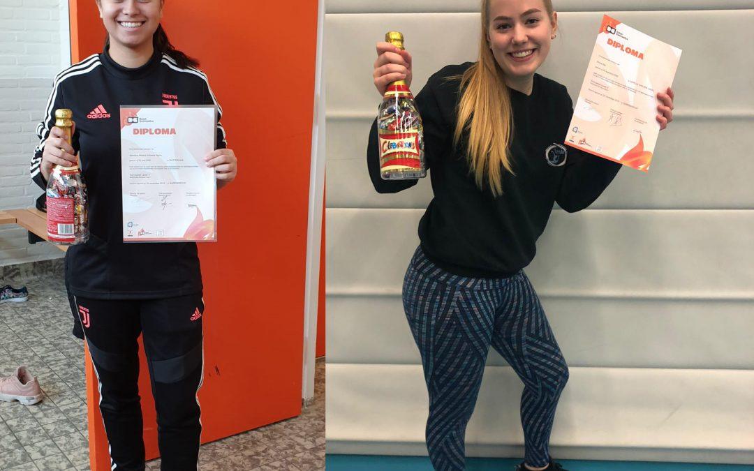 Jennicka en Emma zijn geslaagd voor Gymnastiek Leider Niveau 3